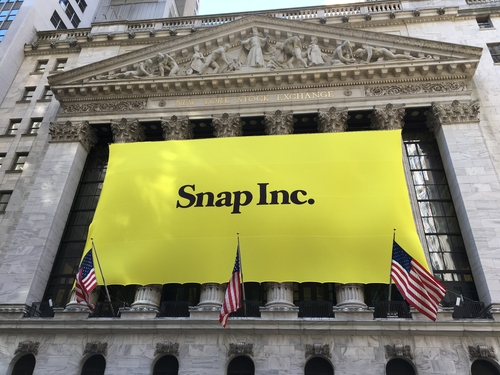 Snapchat sells 150,000 Spectacles; is it enough to recover?