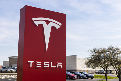 Tesla Shares Rise on Elon Musk's Forecast of Profitability in Q3