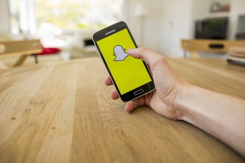 Share of snap chat fall after CFO Exit
