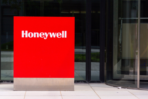 Honeywell Posts Earnings Beat and Revenue Miss