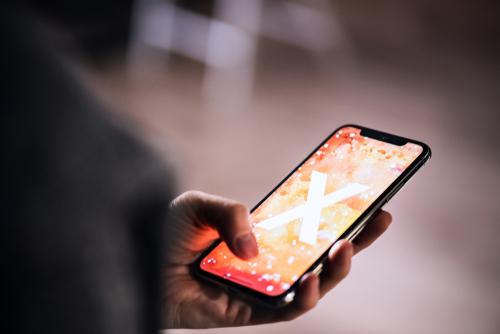 Apple G Iphone Financial Buzz