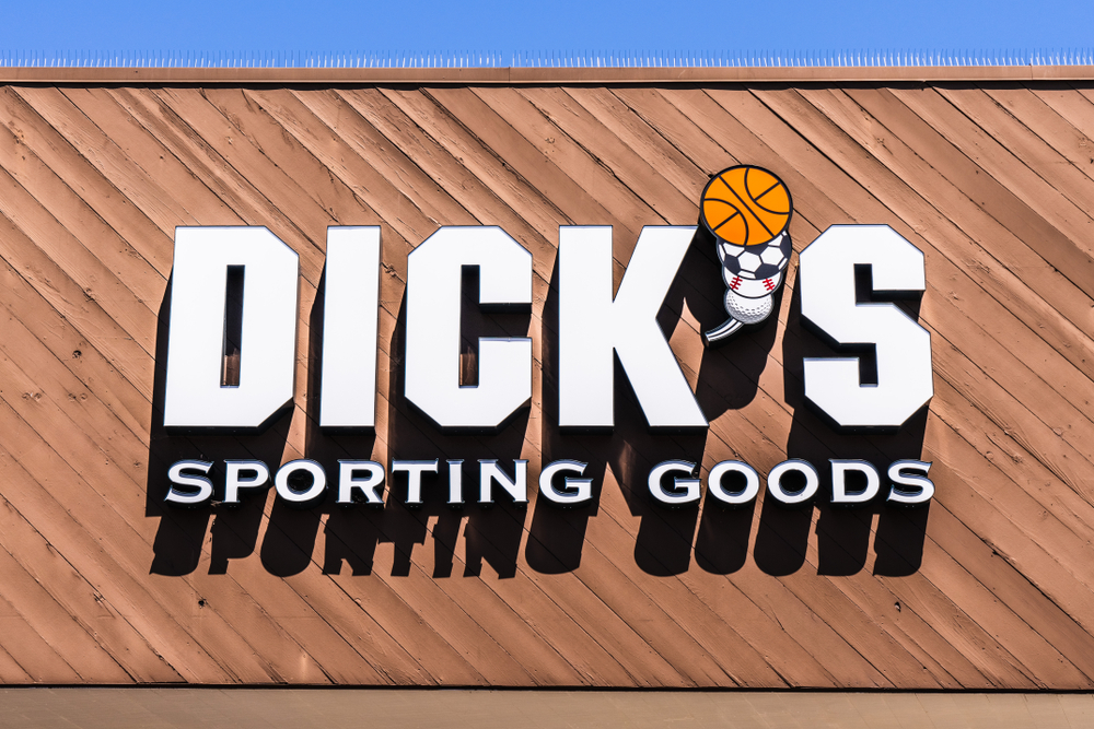 Dick's Sporting Goods Shares Surge on Raised Outlook